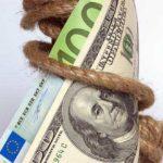 الدولار يزيد مكاسبه بعد انخفاض اليورو