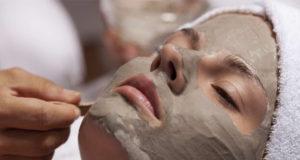 ماسك الطين الهندي للعناية بالبشرة