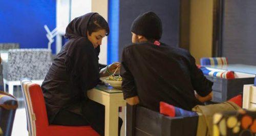 80% من بنات إيران مارسن الجنس دون زواج